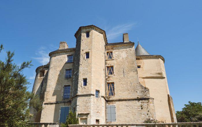 Château mis hors d'air et renforcé